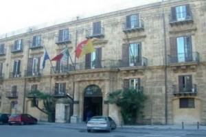 1408468420-0-la-regione-siciliana-ha-1800-dirigenti-ma-ne-cerca-altri-38