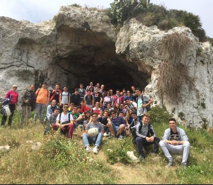 studenti alla Grotta Pellegrina (1)