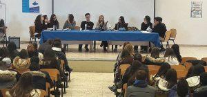 """Lentini, gli studenti degli istituti comprensivi """"Marconi"""" e """"Vittorio Veneto"""" hanno incontrato la scrittrice Barbara Bellomo"""