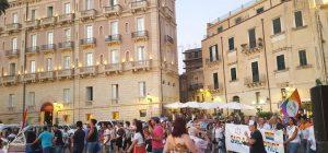 """Siracusa, Gay Pride dal 14 al 16 giugno. Gemellaggio con Catania, """"Essere umani"""" il tema dell'evento"""