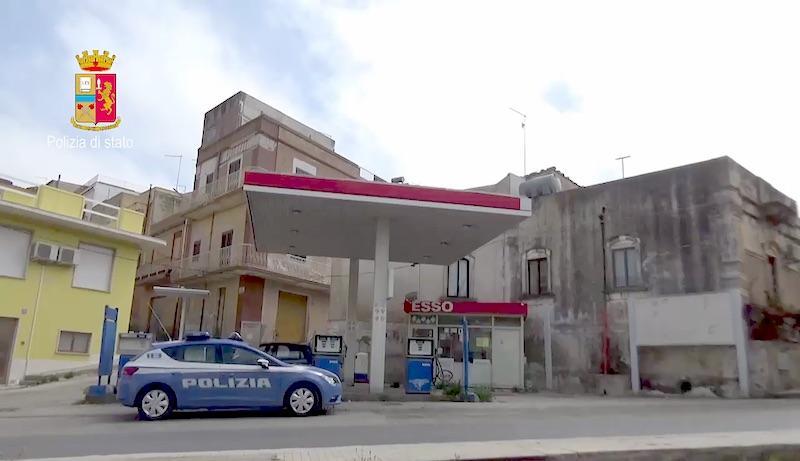 Pachino, bomba carta sotto l'auto di un avvocato, quattro arresti