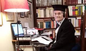 Siracusa, a 75 anni lo scrittore Giuseppe La Delfa si laurea per la terza volta