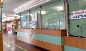 Siracusa, vaccinazione Covid per over 80 prenotati al via sabato negli ospedali della provincia