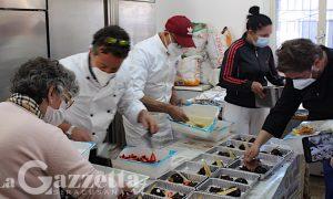 """Siracusa, rinomati ristoratori ai fornelli per un pranzo pasquale ai meno abbienti. Parroco: """"Aumentano assistiti siracusani"""""""